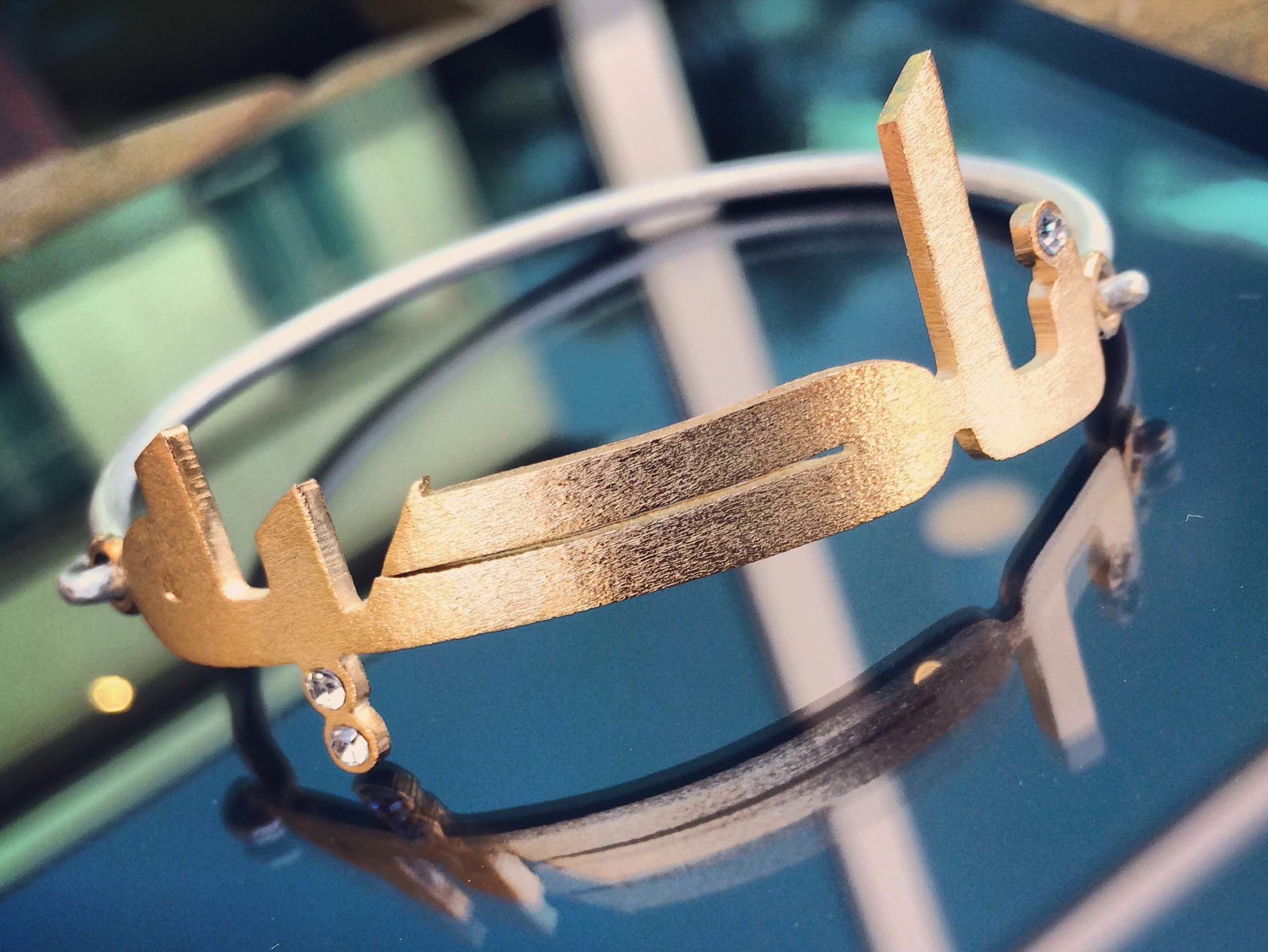 Design Kaaf Beautiful Gold Nadia Bracelet